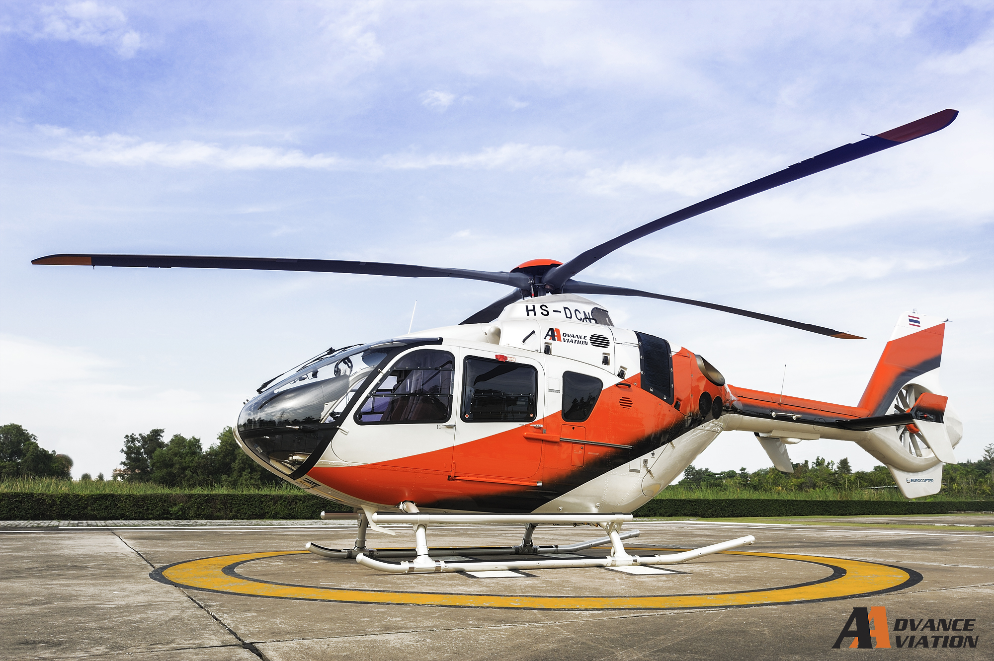 helicopter EC135